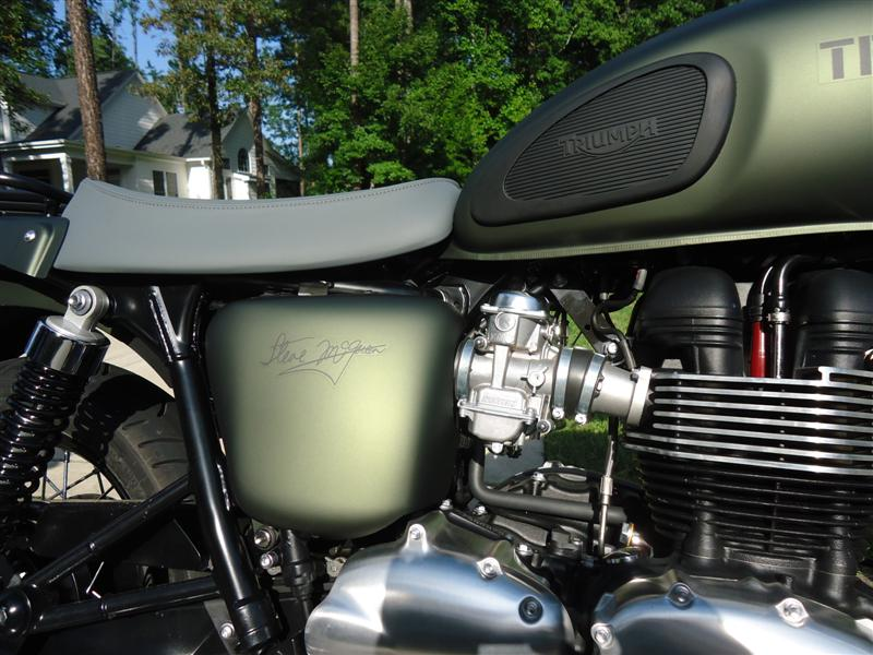Steve Mcqueen Triumph SE motorcycle
