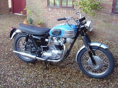 Vintage British Motorcycles-Triumph Bonneville