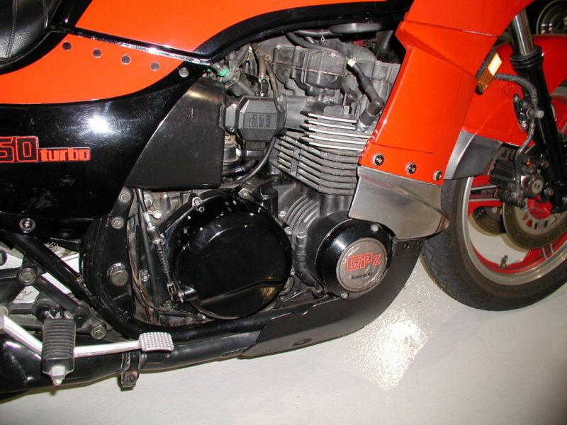 Kawasaki GPz-750 turbo engine